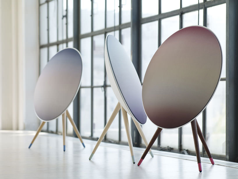 B and O PLAY Bang and Olufsen designboom 03 Bang & Olufsen A9 Nordic Sky wireless speaker