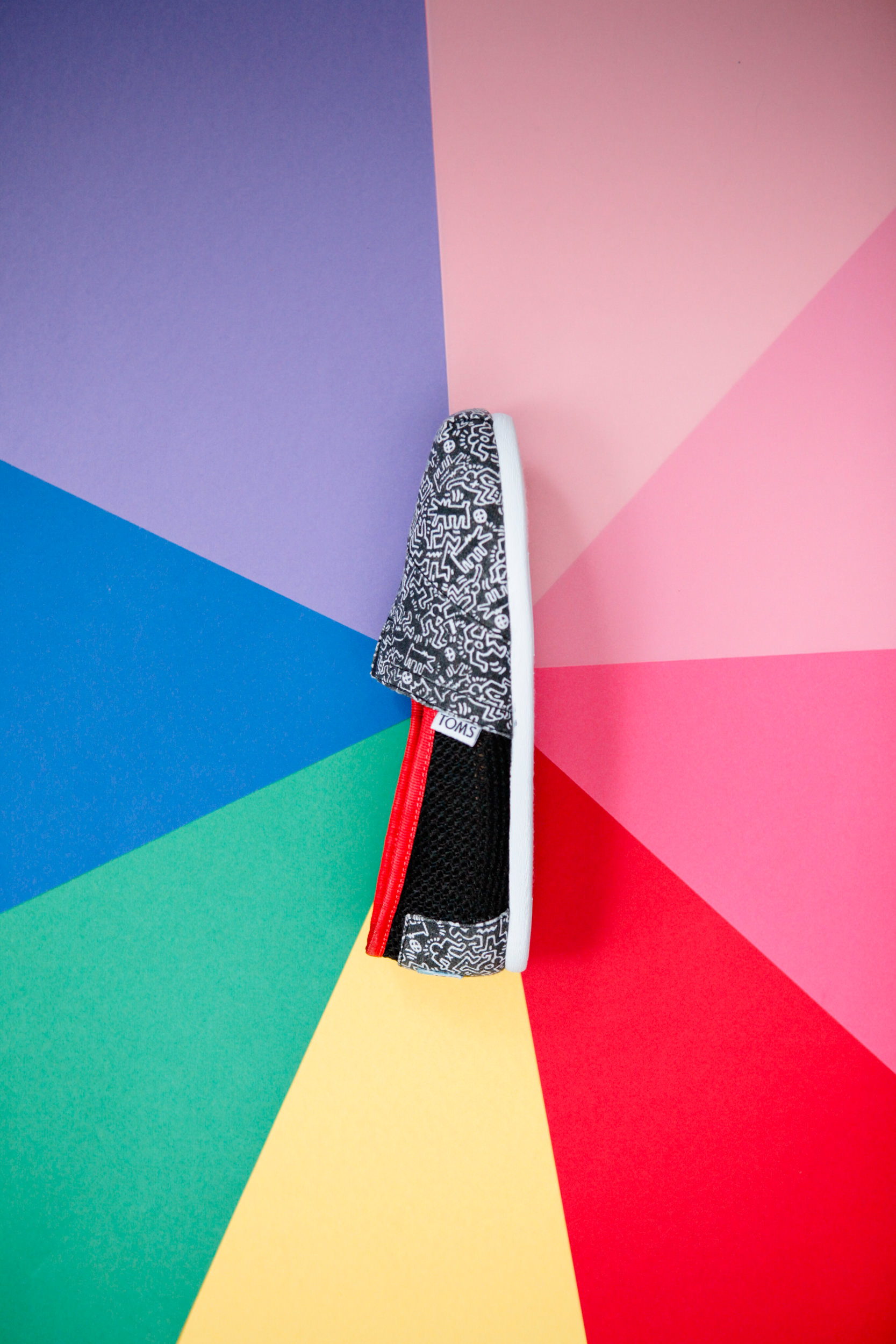 One For One And Art For All Toms Celebrates Keith Haring